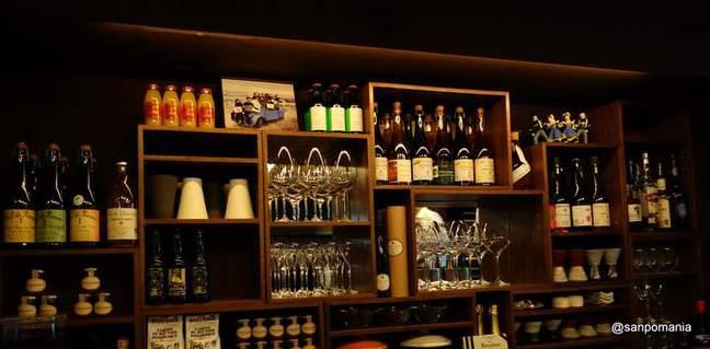 2012/09/21:ル・ブルターニュ バー ア シードル レストラン:内装:5672