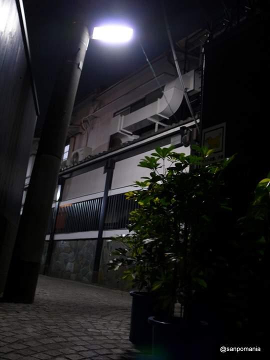 2008/03/22:かくれんぼ横丁:外観:5578