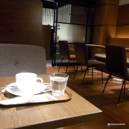 2011/11/03:上島珈琲店:内装:1835